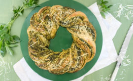 Pan de albahaca y parmesano